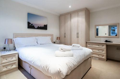 1 Bedroom apartment to rent in London KEW-CG-0008