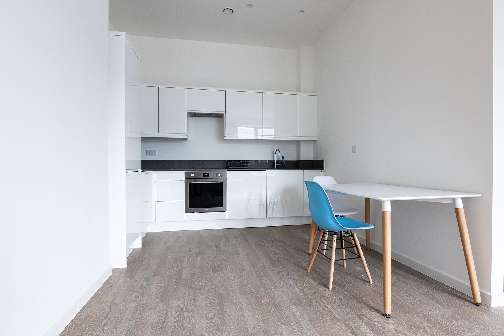 1 Bedroom apartment to rent in London VIL-SA-0007