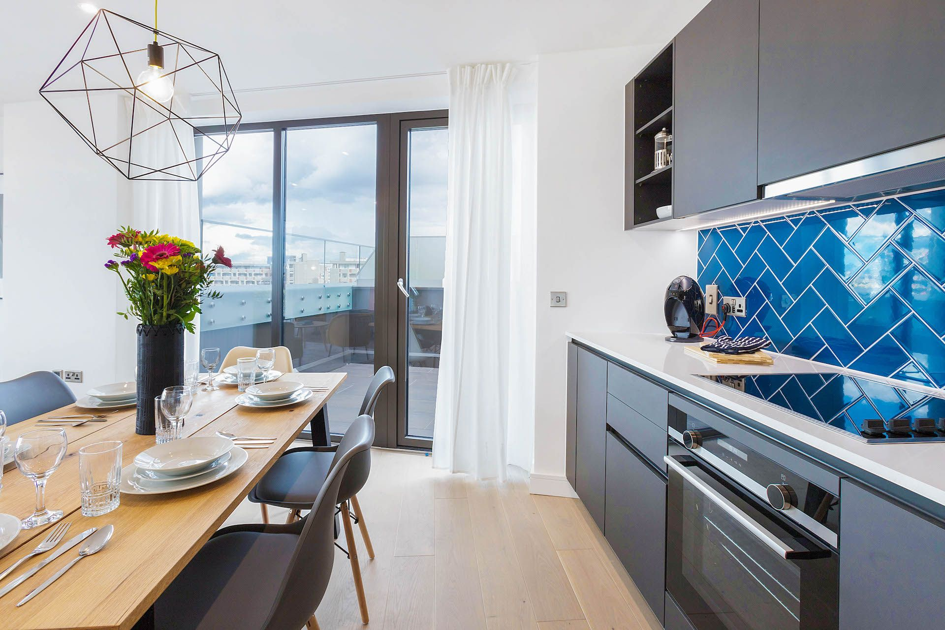 3 Bedroom apartment to rent in London SHO-RO-0009