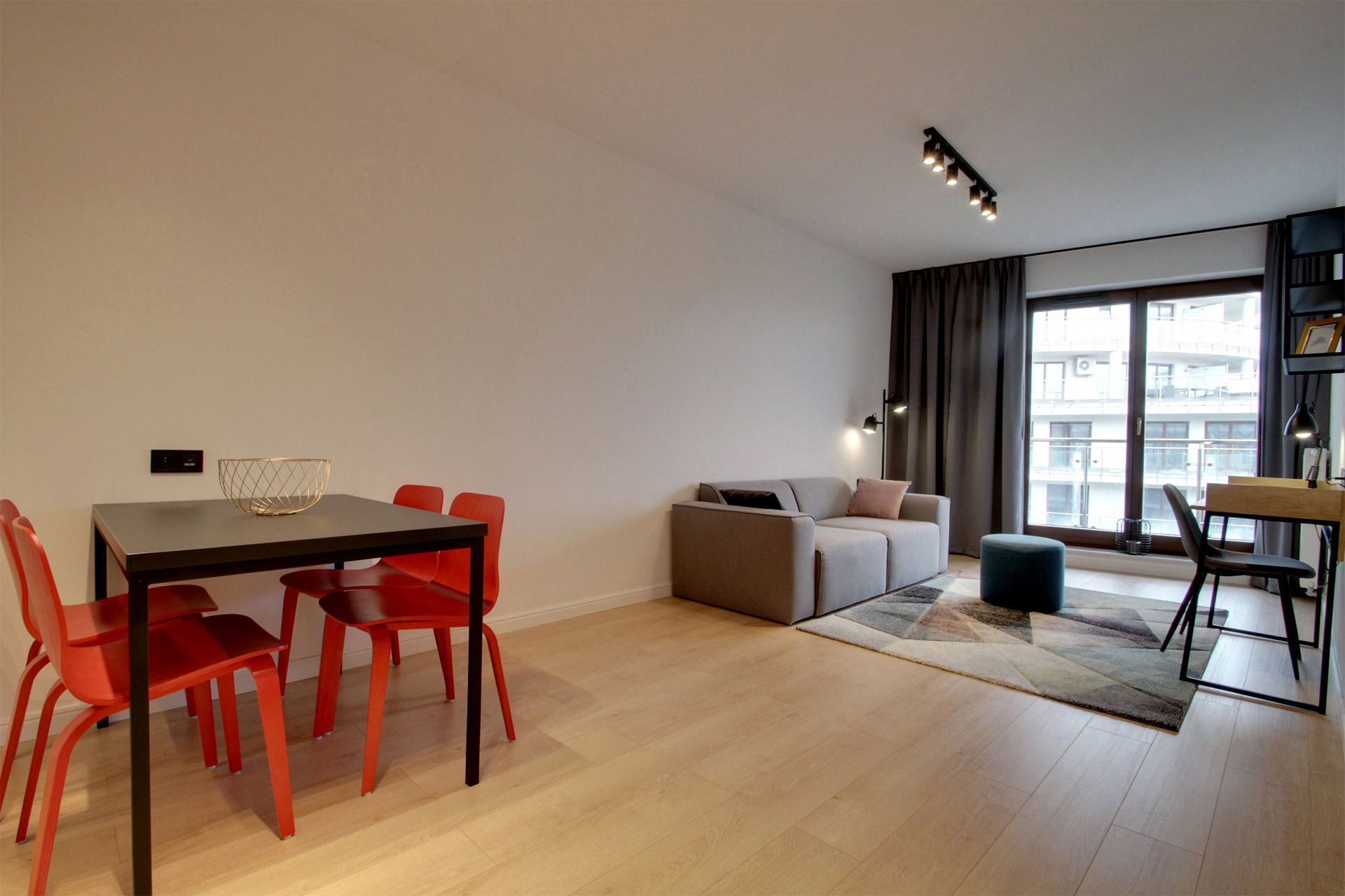 2 Bedroom - Large apartment to rent in Warsaw UPR-A-041-2