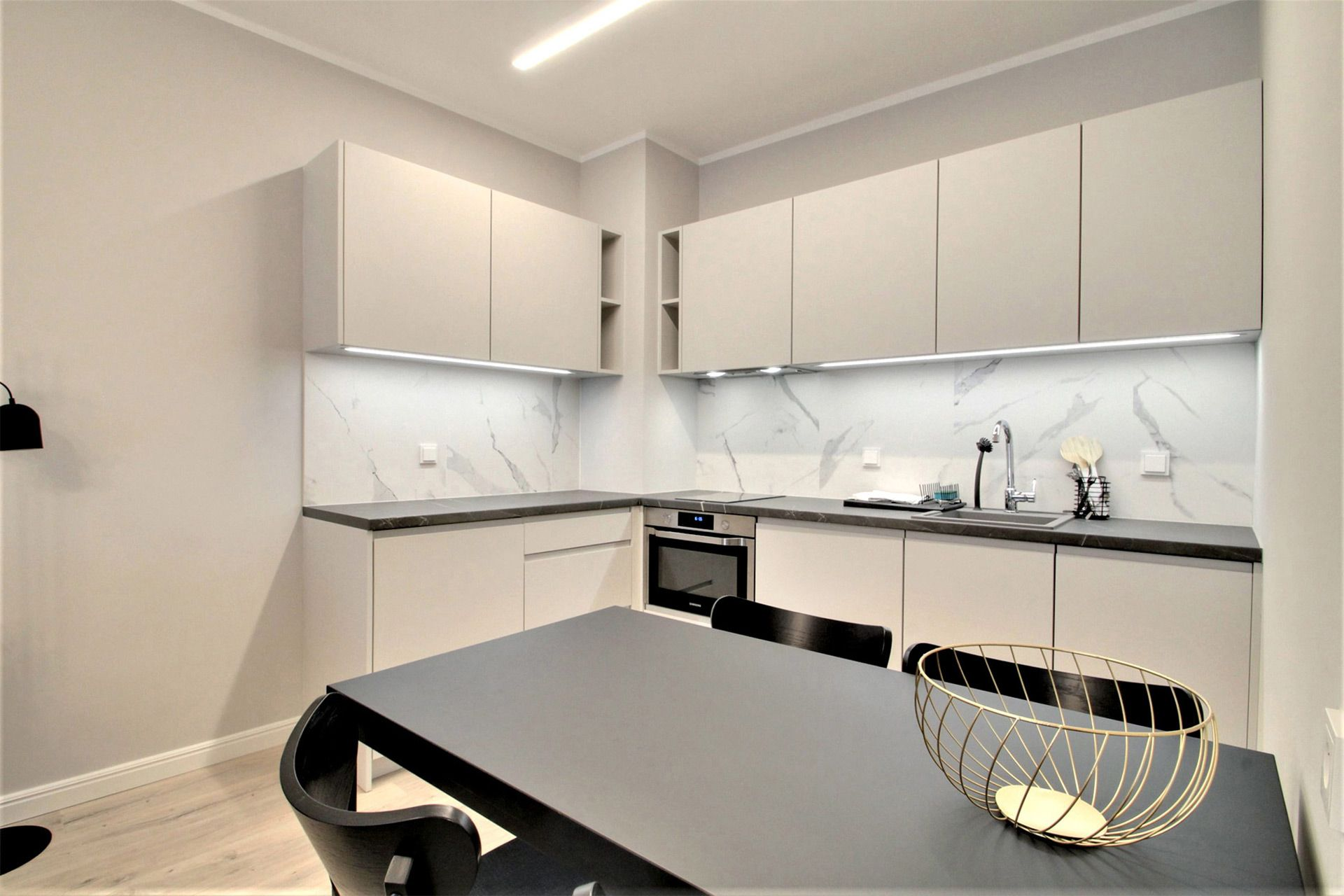 Studio - Medium apartment to rent in Warsaw UPR-A-051-2
