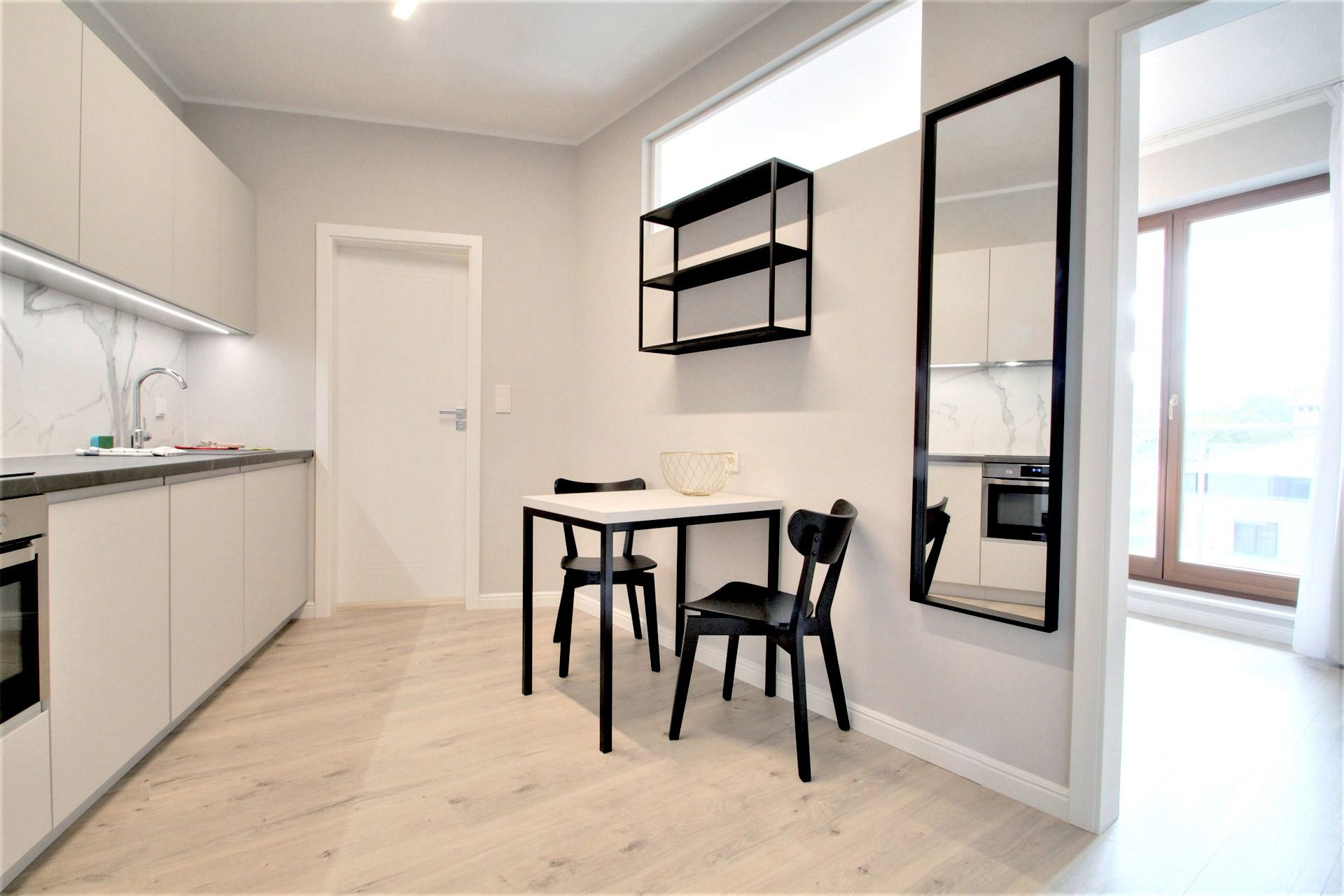 2 Bedroom - Medium apartment to rent in Warsaw UPR-A-061-3