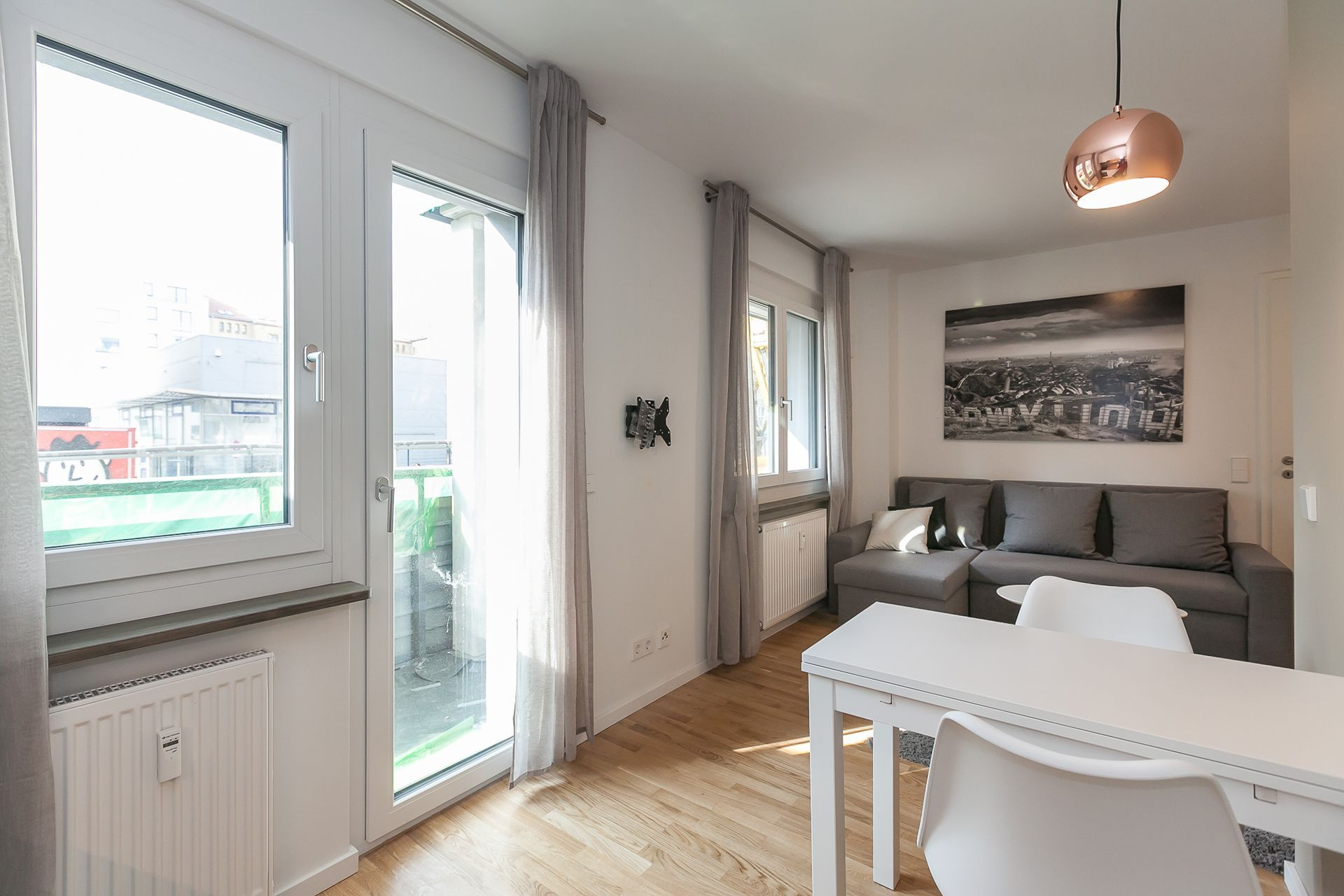 1 Bedroom - Large