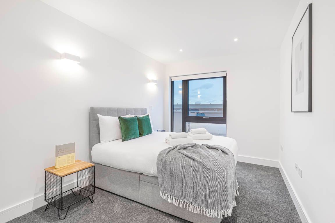 3 Bedroom apartment to rent in London SK3-VH-0069