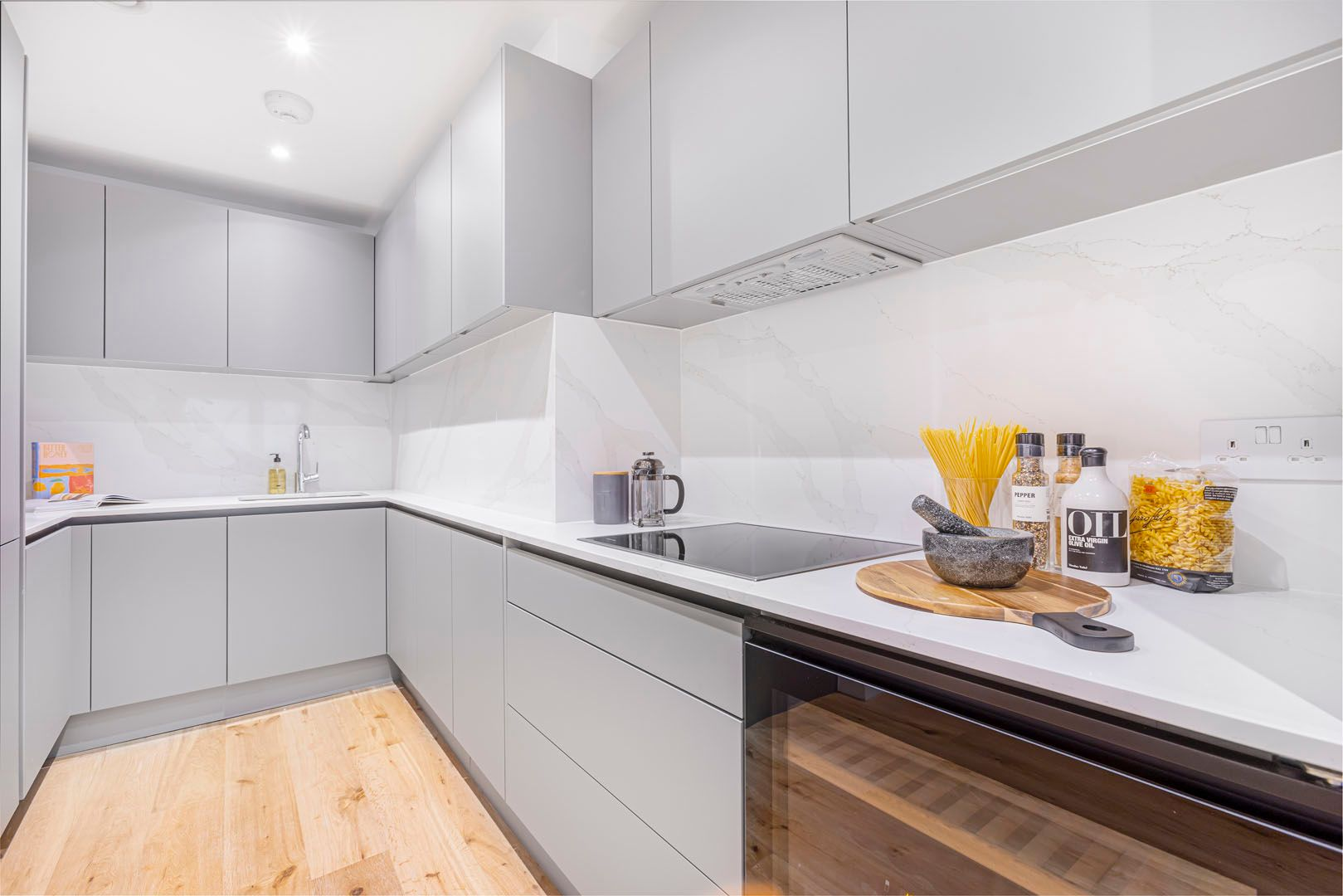 2 Bedroom apartment to rent in London SK3-FH-0063