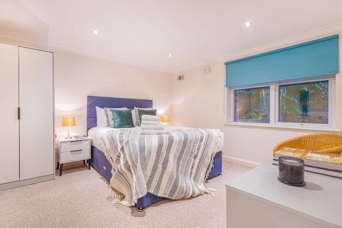 1 Bedroom apartment to rent in London KEW-CG-0002