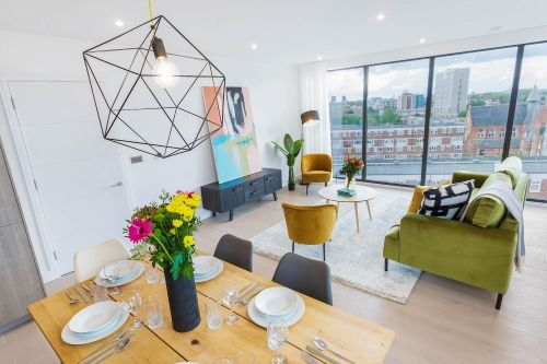 3 Bedroom apartment to rent in London SHO-CA-0047