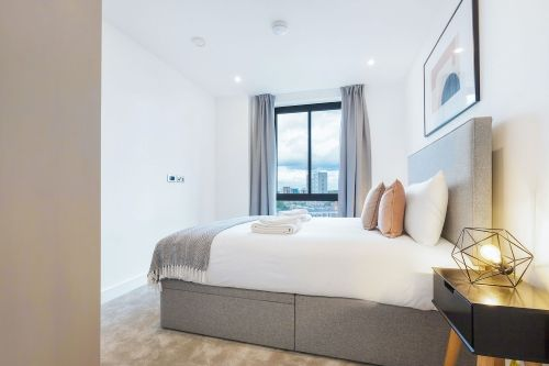 3 Bedroom apartment to rent in London SHO-RO-0012