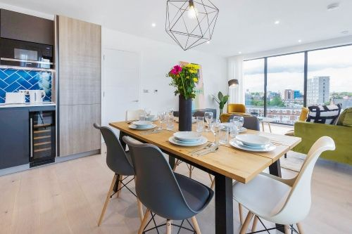 3 Bedroom apartment to rent in London SHO-RO-0127