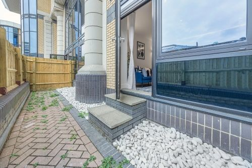 2 Bedroom apartment to rent in London SKI-FH-0027