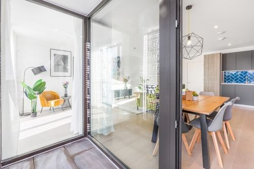 3 Bedroom apartment to rent in London SHO-CA-0044