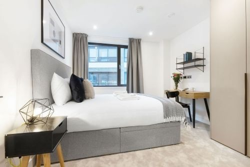 2 Bedroom apartment to rent in London SHO-RO-0031