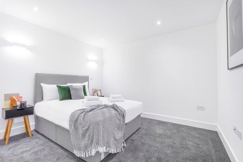 1 Bedroom apartment to rent in London SK3-VH-0073