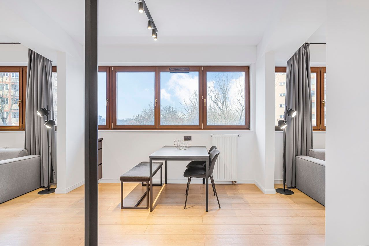 Studio - Large