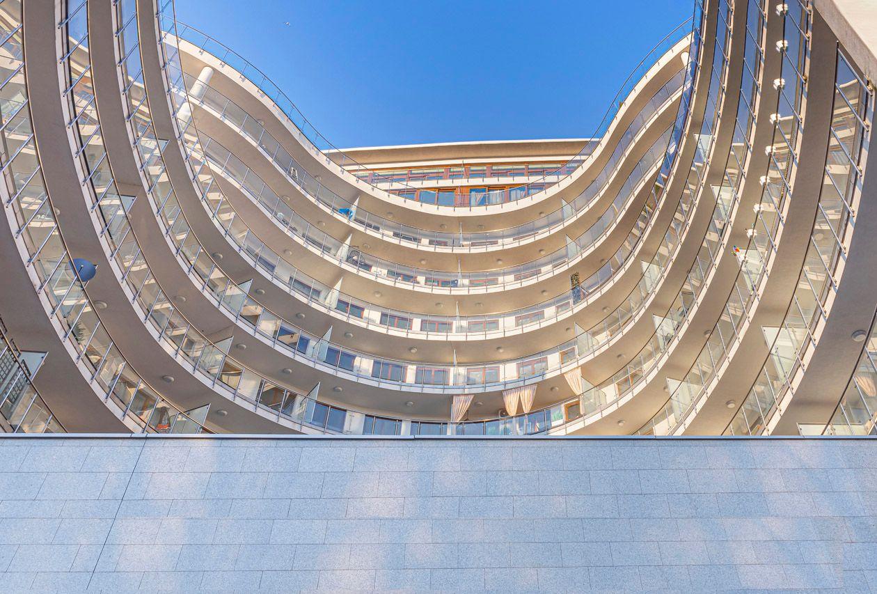Warsaw flats to rent Vonder UpRiver 9