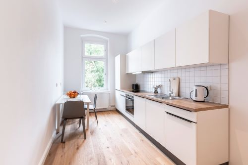 Private Room - Large apartment to rent in Berlin STRA-STRA-1116-1