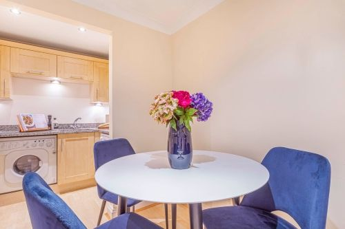 1 Bedroom apartment to rent in London KEW-CG-0007