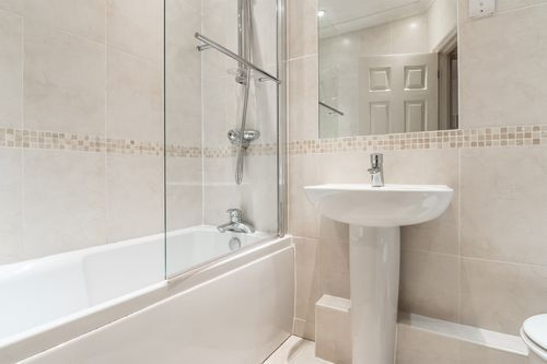 1 Bedroom apartment to rent in London KEW-CH-0003
