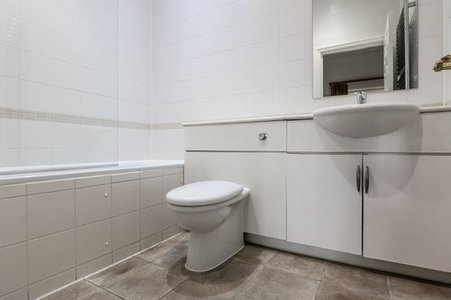 2 Bedroom apartment to rent in London KEW-CH-0001