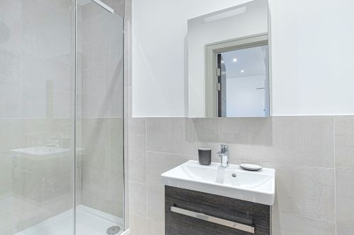 Studio apartment to rent in London ZEN-ZH-0083