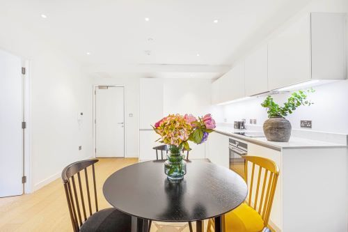 1 Bedroom apartment to rent in London HIL-HH-1002