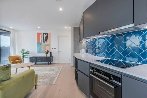 3 Bedroom apartment to rent in London SHO-RO-0027