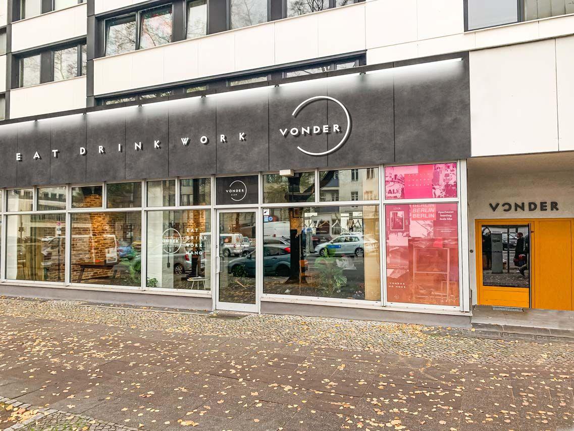 Berlin flats to rent Vonder Bismarckstraße 2